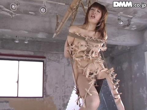 SM拷問調教 三角木馬 股間責めされる女のAVエロ画像 horiguchi07