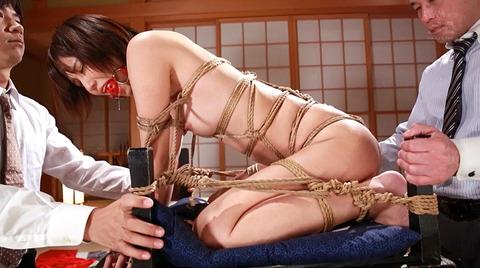 猿轡/口枷をされる女の口拘束AVエロ画像_minatoriku48