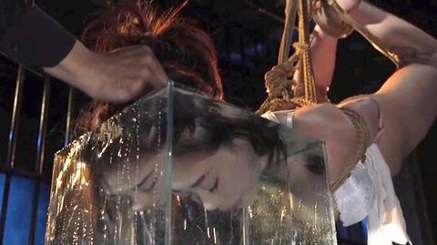 SM水責め調教/無理矢理水に沈められ拷問女エロAV画像nanami87