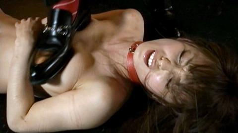 マゾ女踏みつけられて犯される女のAVエロ画像nanasakif65