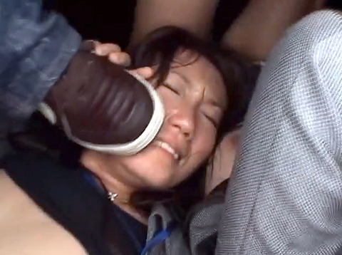 土足で 靴で顔を踏まれる姿が惨めでエロイ 女のAV画像 unoiori20