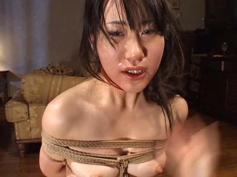 ビンタされる女 ビンタされる表情がエロい女のAV画像 shirase05