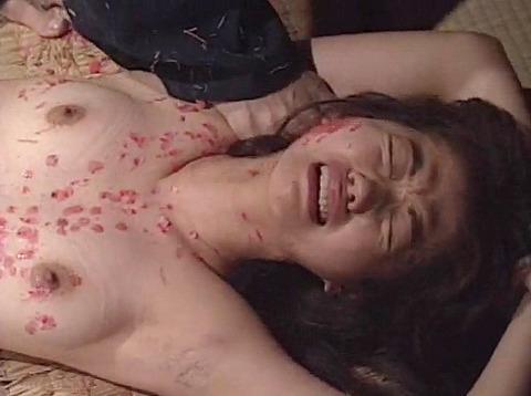マゾ女踏みつけられて制圧される女のAVエロ画像 kudouayami39
