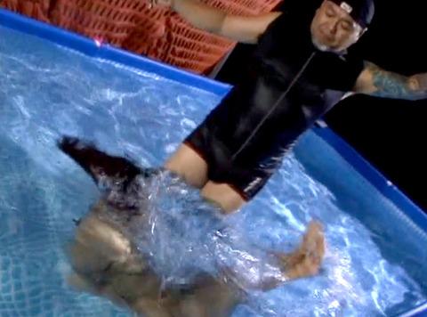 SM水責め調教/水責め拷問される女のエロAV画像_aika42