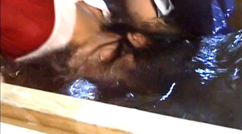 SM水責め調教/水責め拷問される女のエロAV画像_nakanochinatu73