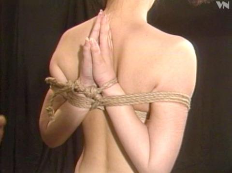 浅野由美 SM調教 拷問緊縛 縄で締め上げられる女の AVエロ画像 03