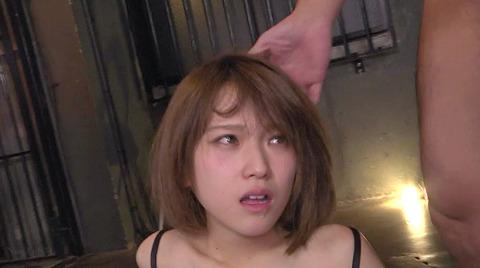 椎名そら 集団凌辱 集団強姦 乱暴に犯される女のAVエロ画像 130