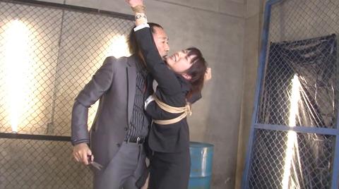 加藤ツバキ 徹底水責め調教 踏みつけ輪姦 AVエロビデオ画像 41