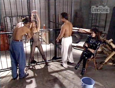 野口由香 鞭打ち 水責め 逆さ吊り SM調教画像 2000年代SMビデオ 06