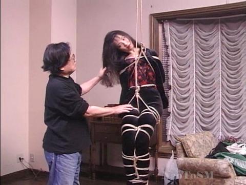 山口珠理20代 拷問緊縛でがちがちに縛られる女の画像 03