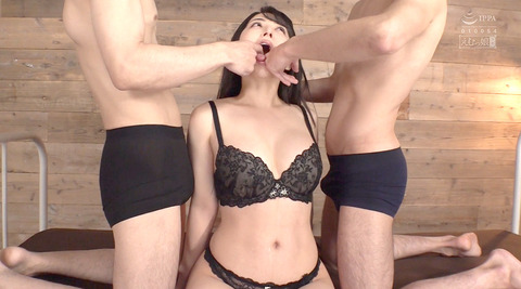 晶エリー喉奥限界調教むごいイラマチオ嘔吐フェラ女のAVエロ画像77