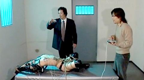 朝比奈ゆい 逆さ吊り 電流責め SM拷問調教される女の画像 07
