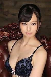 西田カリナ 逆さ吊りで鞭打たれて足を舐めるSM調教画像 0