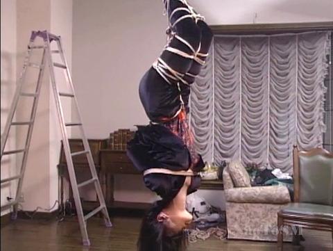 山口珠理20代 拷問緊縛でがちがちに縛られる女の画像 06