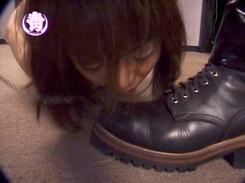 奴隷調教 服従の靴舐め M女 ちひろ AV画像 WF愛と意識と忠誠とSM