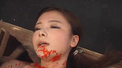 鶴田かな 一本鞭 強制飲尿 拷問SM調教エロAV画像 0