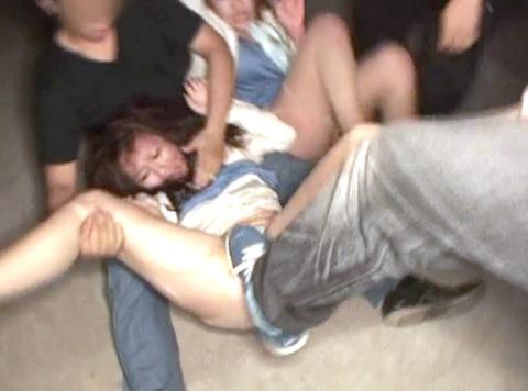 武田沙樹 暴行 リンチ 集団強姦レイプされる女 AVエロビデオ 画像 08