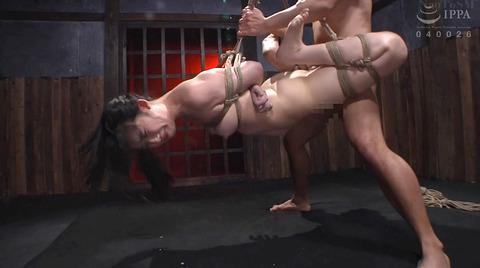 宮崎あや 残酷SM調教 一本鞭 吊られて一本鞭 拷問調教される女 53