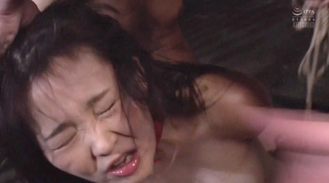 SM調教 逆さ吊り 水責め 屈辱 ビンタ 調教される 妃月るい画像83