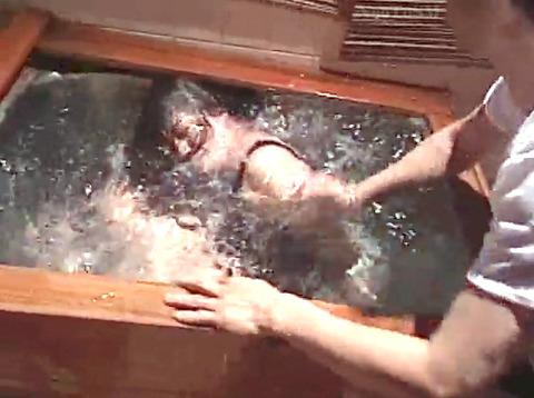 工藤綾美 SM調教フルコース 足舐め 水責め 緊縛 服従AVエロビデオ 27
