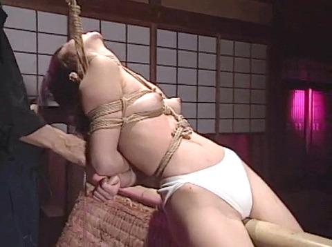 工藤綾美 SM調教フルコース 足舐め 水責め 緊縛 服従AVエロビデオ 34