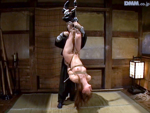 原千尋(愛咲れいら)SM拷問 逆さ吊り 調教 AV 画像 336