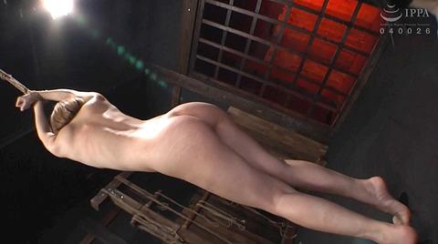 麻里梨夏 強制フェラ ビンタ鞭打ち SM性玩具にされる女の画像 67