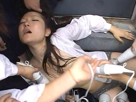 長谷川さやか 残酷な女同士の集団いじめ 集団レズリンチ 画像 20