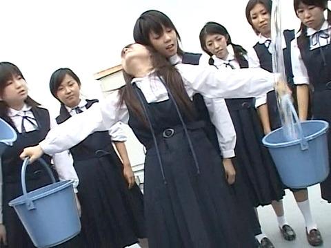 長谷川さやか 残酷な女同士の集団いじめ 集団レズリンチ 画像 13