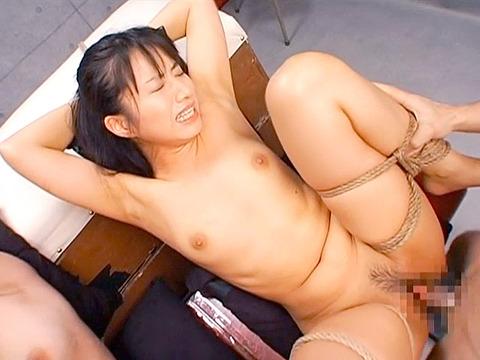 純名もも 緊縛 強制飲尿 デンマ責め SM調教される女のAVエロ画像 78