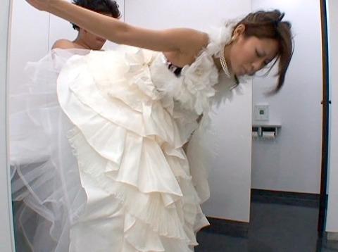 伊藤れん ウエディングドレスでトイレで犯される 結婚披露宴強姦 03