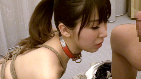 知花メイサ ビンタ されて奴隷フェラさせられる女のAVエロ画像 24