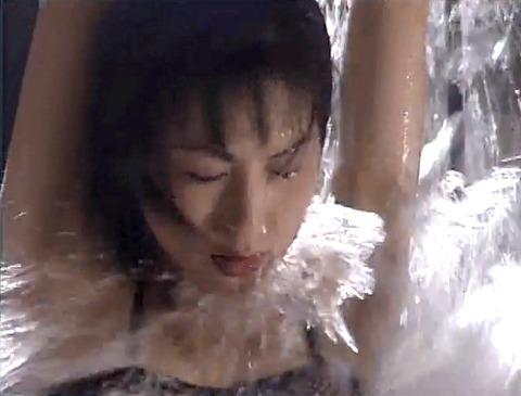 野口由香 鞭打ち 水責め 逆さ吊り SM調教画像 2000年代SMビデオ 04