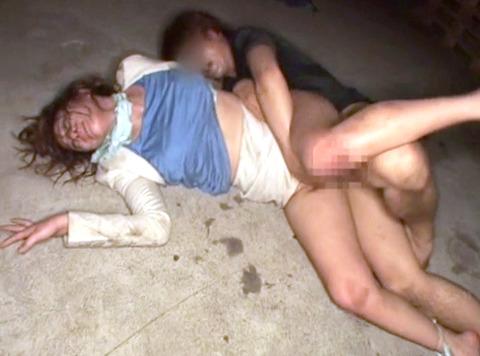 上原まみ 集団強姦 集団リンチ 集団レイプ される女 AV エロ 画像 26
