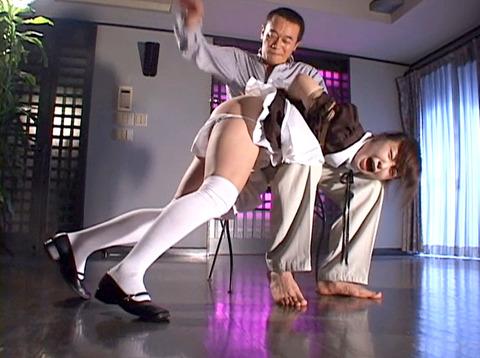 雪見ほのか 靴舐め女 逆さ吊り 鞭打ちされる女 のAV エロ 画像 100
