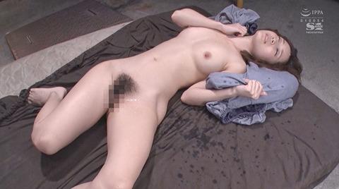 小島みなみ_監禁されて犯される女のAVエロ画像kojimaminami30
