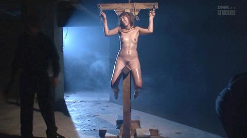 結城みさ 拷問ハードSM 残酷鞭打ち 拷問緊縛 逆さ吊り AVエロ画像 30