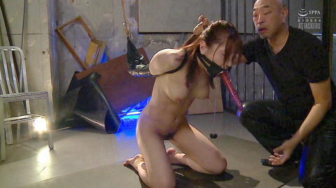 松ゆきの 胸鞭連打 首吊り 拷問 残酷SM調教される女のエロ画像 79
