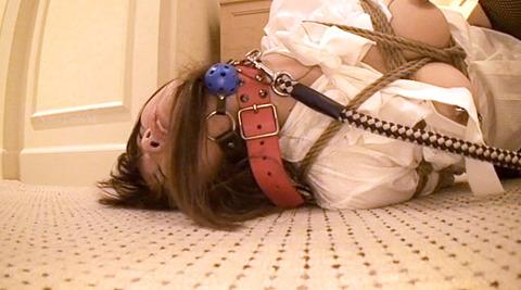 今村美穂 辱められてフェラ奴隷に調教される女imamuramiho23