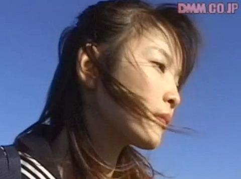 遊佐七海 クラスメイトの前で強姦されて放尿される女の画像0
