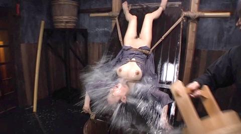 美咲結衣 SM拷問調教 苦痛の石抱正座 ビンタSM調教画像169