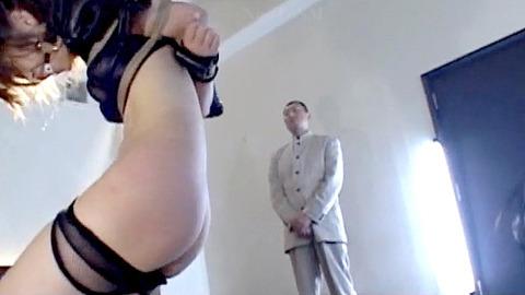 如月凛 鞭打ち 水責め 逆さ吊り SM調教される女の画像 15