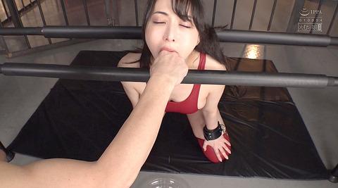 晶エリー喉奥限界調教むごいイラマチオ嘔吐フェラ女のAVエロ画像66
