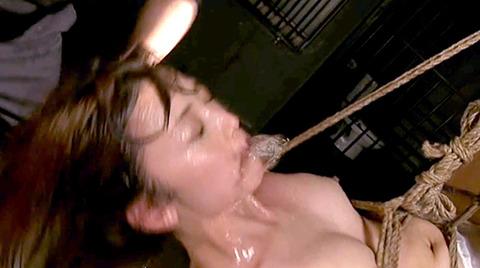 樹花凛=七咲楓花 逆さ吊り 水責め 拷問フェラチオ調教 エロ画像 159