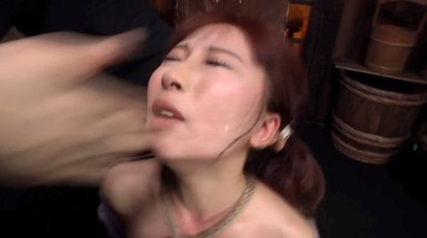 美咲結衣 SM拷問調教 苦痛の石抱正座 ビンタSM調教画像159