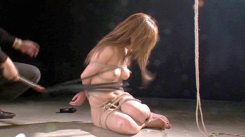 杏樹紗奈 鞭責めSM調教 輪姦される女 AVエロ画像 anjusana29