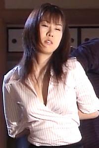 中野千夏 ズタボロに虐められて犯される マゾ女の AV エロ画像 0