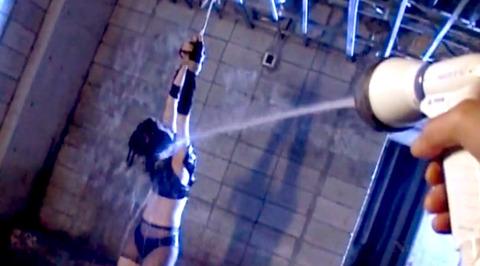 如月凛 鞭打ち 水責め 逆さ吊り SM調教される女の画像 23