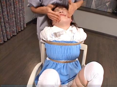 雪見ほのか 靴舐め女 逆さ吊り 鞭打ちされる女 のAV エロ 画像 77