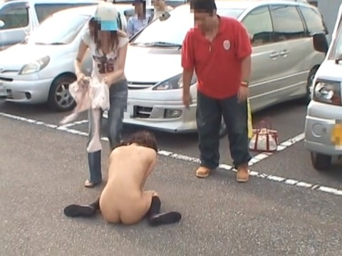 隠し撮り画像、全裸露出で路上放置される女254_24